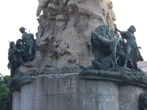 MONUMENTO A LOS SITIOS (5)
